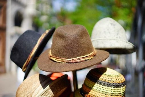 hats-829509__340.jpg